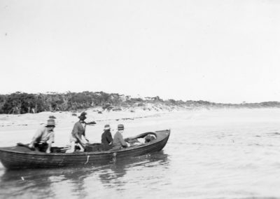 Bill Ranger & crew going fishing Currarong 1940 ( Guido Weber collection)