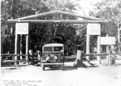 1948 Arch Gate. Entrance to Currarong Road